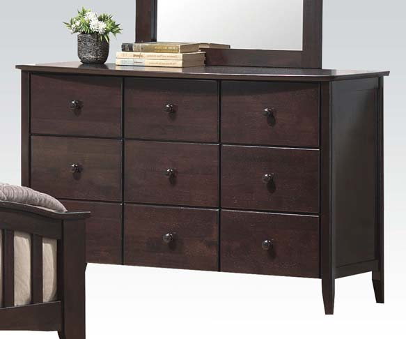 Dresser w/ 6 drawers